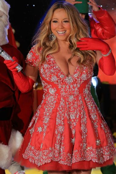 The pop songstress performed at Rockefeller Center for the annual tree lighting ceremony.