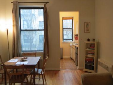 Yorkville house hunters were eager to give a one-bedroom, one-bathroom co-op TLC on Sunday, Dec. 16 2012.