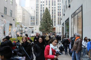 If you have to come to Midtown during the holiday season, here's how to avoid the crowds.