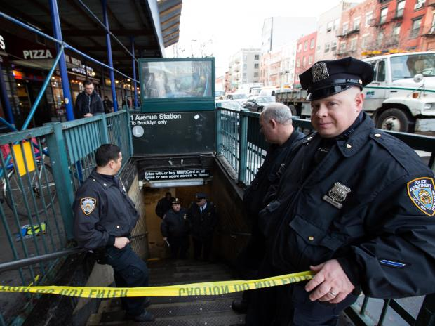 The investigation at the E. 14th St. station caused delays in both directions.