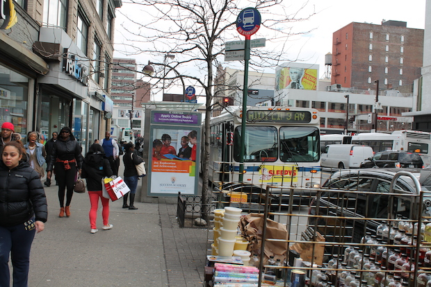 On Wednesday, teams from the MTA and Department of Transportaiton took more than 50 area residents on a 1.2 mile stroll across 125th Street  to get their ideas  on ways to improve the M60 and bus travel on Harlem's busiest thoroughfare.