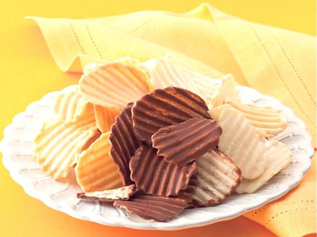 The Japanese chocolate company Royce', which specializes in soft ganache-like chocolates and chocolate-covered potato chips, opened seven days a week on Bleecker Street the week of March 25, 2013.