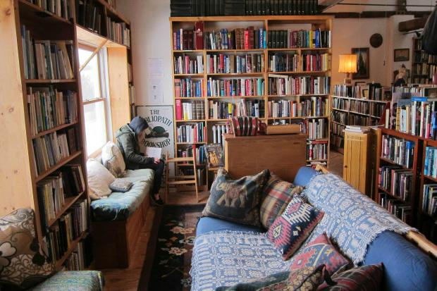 BookCourt, a neighborhood bookshop on Court Street, is looking to open BookCourt North in a refurbished barn.