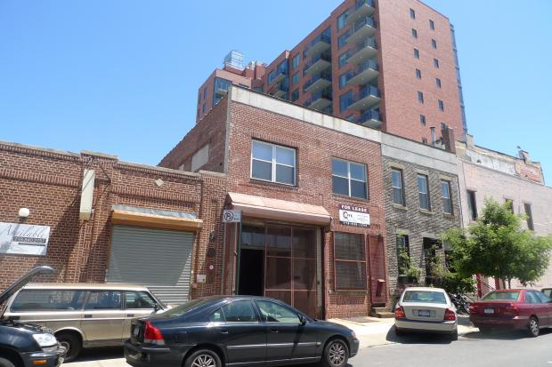 A combination brewery, bar and restaurant is planned for 333 Douglass St., near Fourth Avenue.