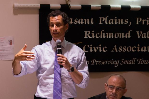 Anthony Weiner got attacked about Twitter and his vote for the Iraq War at a forum in Staten Island.