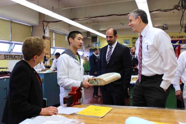 The federal official toured the Long Island City school, which teaches students to be airline mechanics.