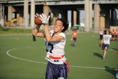 Fort Hamilton senior wide receiver Enid Rodriguez makes a grab in the PSAL semifinals.