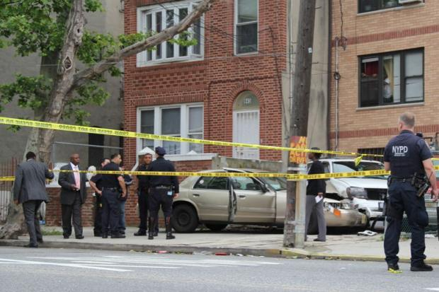 A livery cab driver died Friday after he was stabbed in the eye and then crashed his vehicle into two parked cars.