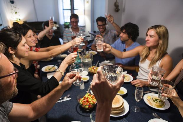 EatWith connects foodies who want to host dinners with New Yorkers who want to try fancy homemade food.