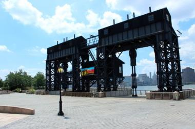 Mobile and pop-up libraries are being launched at Gantry Plaza State Park this summer.