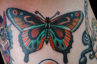 Clinton hill loses only tattoo shop to east williamsburg for Williamsburg tattoo shops