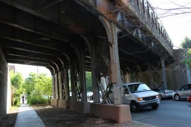 The lights under the Long Island Rail Road overpass at Yellowstone Boulevard, between Austin and Burns streets, have not been functioning for at least a couple of weeks.