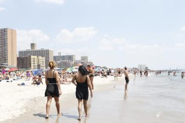 Brighton Beach Will Open Memorial Day Weekend