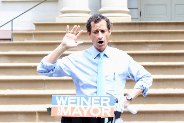 Anthony Weiner sent a photo of his son to a woman, prompting an investigation, the New York Post said.