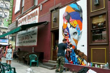 Audrey hepburn mural brightens mulberry street nolita for Mural on broome street