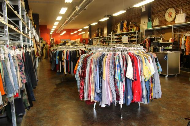 Trendy consignment shop Buffalo Exchange will open its first Queens location Saturday in Astoria.