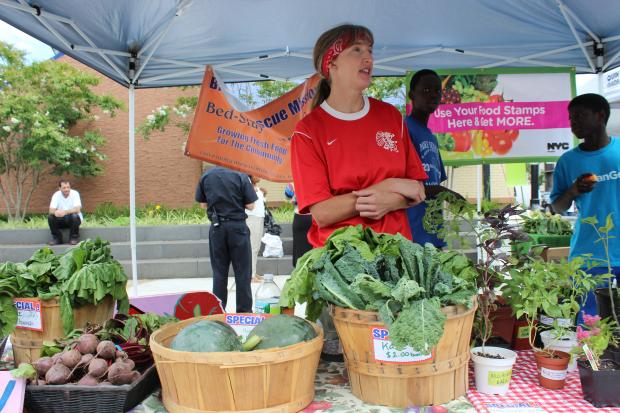 A new farmers market at Marcy Avenue Plaza sells fresh fruits and vegetables to an underserved community.