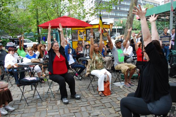 Upper West Siders are stretching and enjoying jams every Wednesday at lunch.