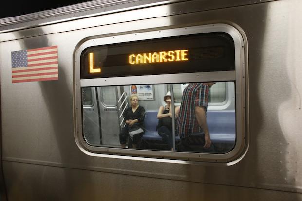 Sex in ny subway - 3 8