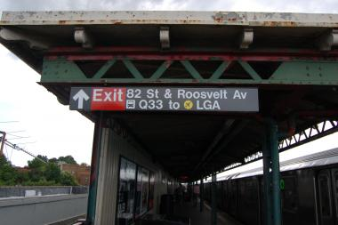 "The MTA misspelled the word ""Roosevelt"" on four signs at a Jackson Heights subway station."
