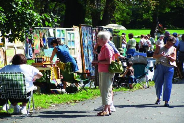 Staten Island Museum's Annual Fence Show displays work by local artists of all ages and levels.