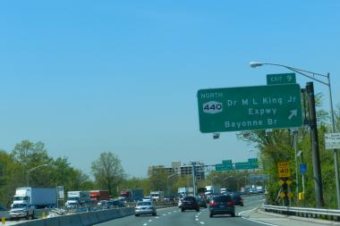 State Sen. Andrew Lanza and Assemblyman Matthew Titone introduced a bill that would prevent any future tolls to be collected on the Staten Island Expressway.