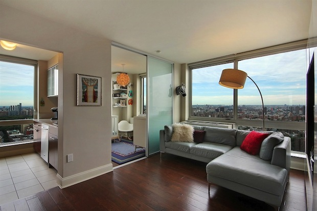 This week we feature apartments for sale with great light, space and rooms with views.
