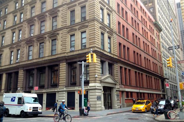 Tribeca Residents Sue Over City S Plan To Move Summons