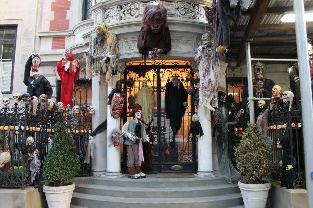 elaborate halloween decorations give a scare on the upper east side