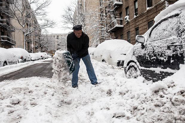 The city braced for up to 9 inches of snow on Thursday Jan. 2, 2014.