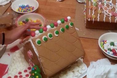 Forest Hills kids will kick off the holiday season with a gingerbread house making party this Sunday at My Kitchen.