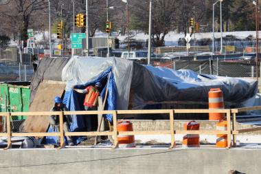 A new entrance to the Briarwood subway station has been delayed until March 2013.