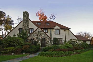 Forest hills gardens home sells for nearly 3m forest hills dnainfo new york for Forest hills gardens real estate