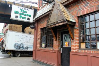 The Shannon Pot, at 45-06 Davis Street, is now closed, but plans to reopen in a new space at 21-59 44th Dr.