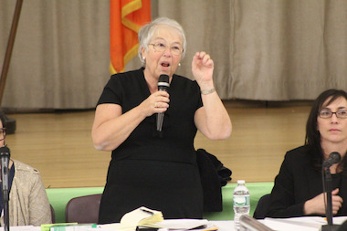 "DOE Chancellor Carmen Farina promised many ""goodwill"" changes to parents and teachers, on Thursday night in Washington Heights."
