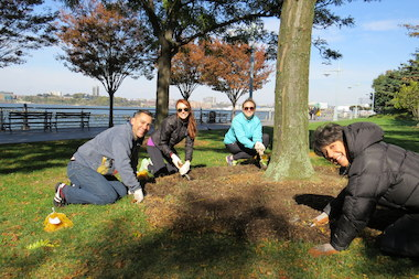 "The new ""friendship drive"" hopes to draw more people to volunteer events at Hudson River Park."