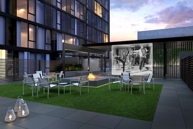 As a wave of ultraluxury condos comes to Manhattan, brokers give tips to prospective buyers.