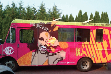 The squeeze raw juice bar to open on graham ave east for Food truck juice bar