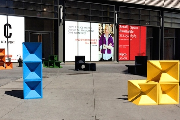Design studio FANTÁSTICA partnered with students at New York City College of Technology to make large-scale cubes to display in Downtown Brooklyn.