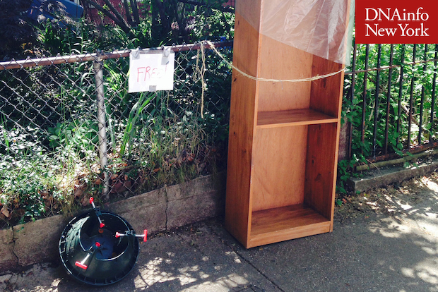 During the weekend, Mayor de Blasio put belongings outside his home for passersby to take.