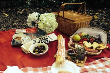 Foolproof your picnic with these tips. Plus, some of our favorite places to spread out a blanket.