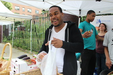 The Fortune Fresh food stand gives fresh produce to the people of Harlem while helping former inmates turn their lives around.