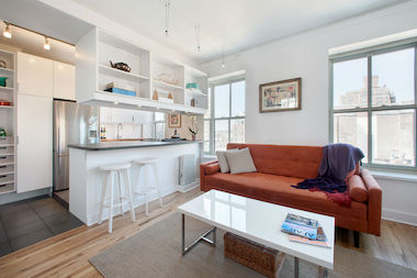 This one-bedroom, one-bathroom apartment at 99 Bank St. in the West Village was priced at $700,000. Take our quiz to find out how much the buyer paid for it.