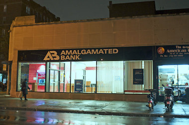 amalgamated bank closing