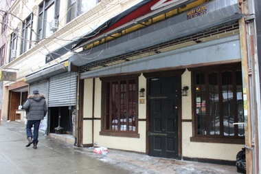 The restaurant portion of Lincoln Park Tavern, at right, closed last weekend due to a rent hike. The bar portion of the tavern, at left, remains open.