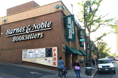 Forest Hills Residents Fight to Keep Their Barnes & Noble ...