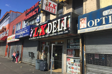 The altercation took place on 125th Street near Lexington Avenue.