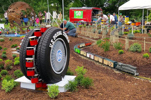Worlds Fair Train Show Rolling Into Queens Botanical Garden This