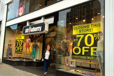 Strawberry Clothing Store Closing on Austin Street - Forest Hills ...