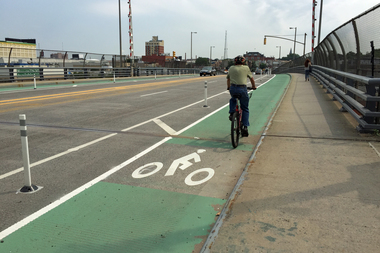 About 600 cyclists a day are expected to use the new bike lanes, which connect Brooklyn and Queens.